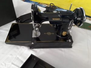 Sewing Machine at Multi Consignor Auction
